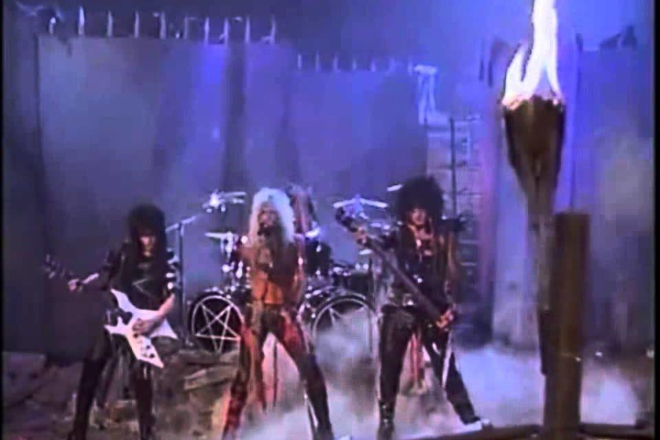 Mötley Crüe 'Looks That Kill'